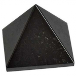 Zwarte edelsteen, Hematiet piramide