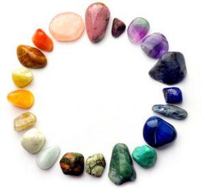 Ring van edelstenen op kleur