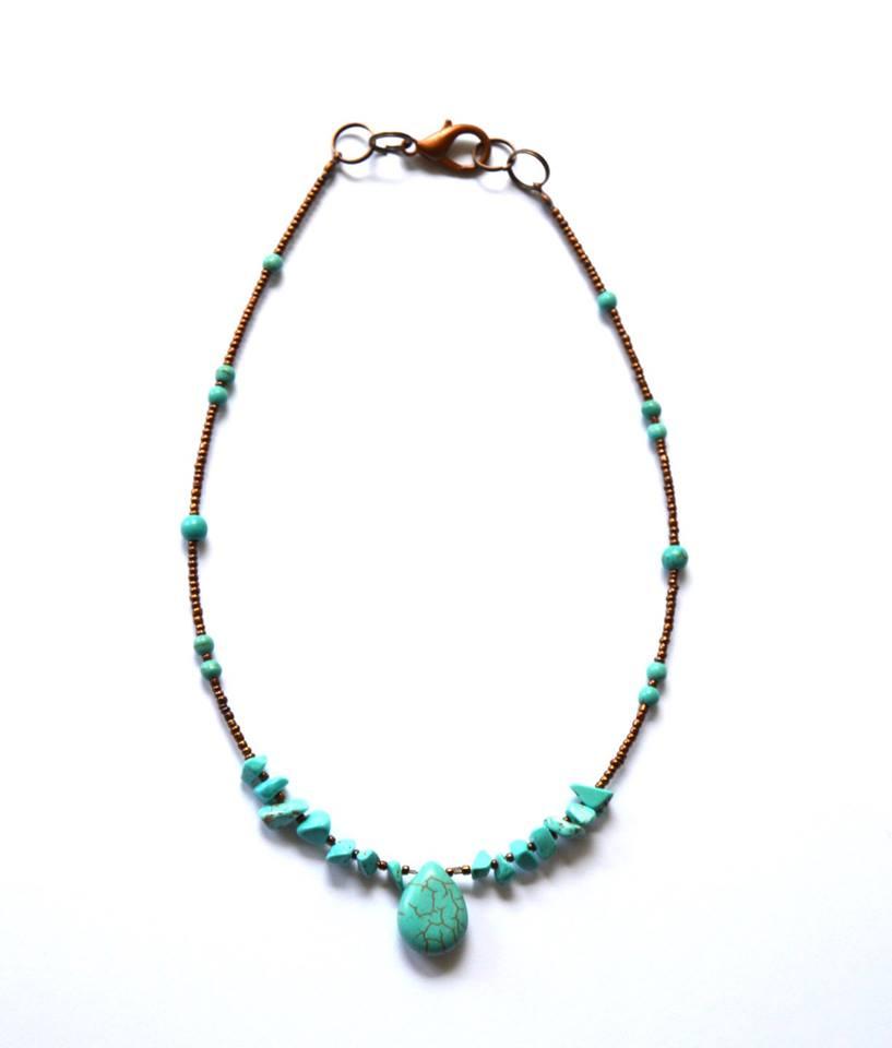 Turquoise edelsteen, howliet ketting