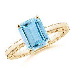 Gouden ring met blauwe edelsteen aquamarijn